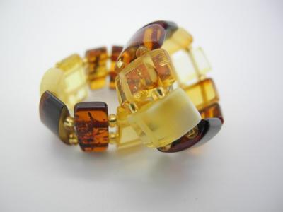 bursztynowe pierścionki 1