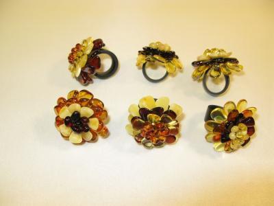 bursztynowe pierścionki